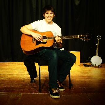 Superb début performance from Dan, lovely cool set, great to hear a Nick Drake song