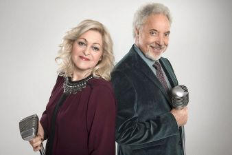 Sally-Barker-and-Sir-Tom-Jones