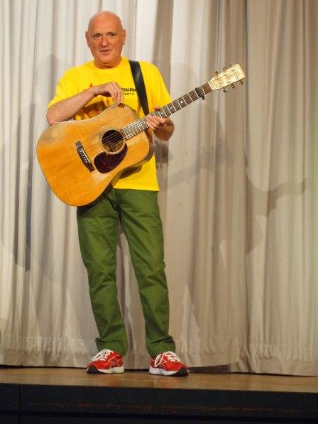 Dick Appleton in yellow tonight
