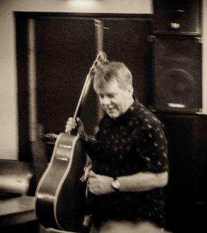 Loudhailer Acoustic Feb 7th 2019
