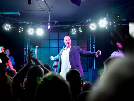Roland Gift at Hull Welly Club photo by Richard Duffy-Howard